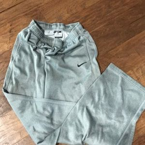 Nike boys xl silver sweatpants excellent quality